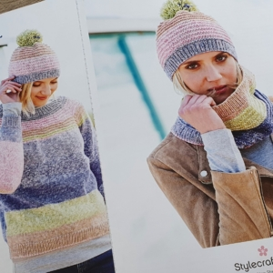9671 Sweater, Snood and Hat.